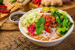 Assam Laksa Noddle in Tangy Fish Gravy Stock Images