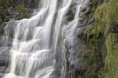 Assaranca-Wasserfall, Ardara, Donegal, Irland lizenzfreies stockbild