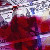 Assassinato para o conceito do dinheiro Dólares do sangue como o símbolo do terrorismo, Foto de Stock