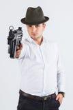 Assassino italiano messo a fuoco sull'obiettivo Fotografie Stock