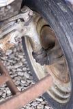 Asse di rotella arrugginito Fotografie Stock