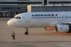 Assegno dell'aeroplano di Air France in su Fotografia Stock