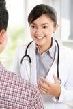 Assegno medico in su Fotografie Stock
