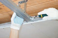 Assemblée d'un cadre pour un plafond Image stock