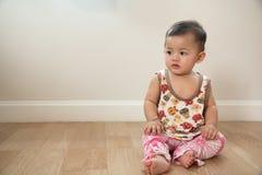 Assento bonito do bebê Imagem de Stock