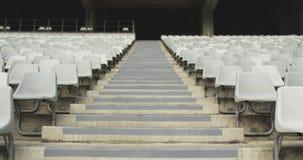 Assento de espectadores vazio em um estádio 4k video estoque