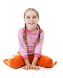 Assento feliz da menina bonito em seu regaço Imagem de Stock