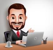Assento feliz e funcionamento do caráter profissional do vetor do homem de negócio na mesa de escritório Imagem de Stock Royalty Free