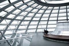 Assento na abóbada de Bundestag apenas foto de stock