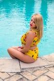 Assento na piscina fotografia de stock
