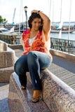 Assento positivo da mulher do tamanho Foto de Stock Royalty Free
