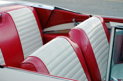 Assentos de carro vermelhos Fotografia de Stock Royalty Free