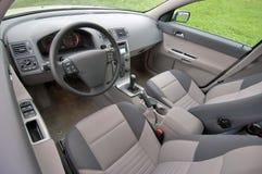 Assentos dianteiros de um carro moderno Imagens de Stock