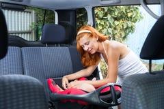 Assentos do bebê no banco de carro Foto de Stock