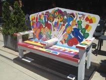 Assentos em Stamford, Connecticut da rua Imagens de Stock Royalty Free