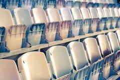 Assentos retros do estádio Imagens de Stock