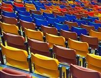 Assentos vazios do bleacher no ginásio fotos de stock