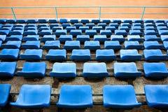 Assentos vazios do estádio Foto de Stock