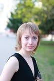 Assez blond avec la glace de champagne Image libre de droits