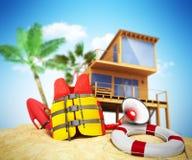 Assicuri l'anello di vita del giubbotto di salvataggio di concetto della spiaggia e un corno ed altro Immagine Stock