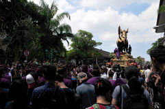 `assignment files` Royal Cremation Ceremony , Bali, Indonesia , Asi. Crowds at a religious cremation ceremony ceremony in Ubud, Bali, 8 May 2016 royalty free stock images