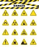 Assina o aviso do perigo dos explosivos e dos líquidos inflamáveis, a presença de campo magnético e a radiação perigoso Vetor ilustração stock