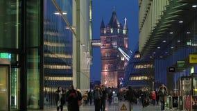 Assinantes & ponte da torre, Southwark, Londres video estoque