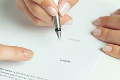 Assinatura alugado do contrato Fotos de Stock