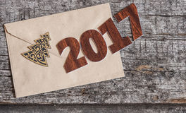 Assine o símbolo do número 2017 no estilo retro velho b de madeira do vintage Fotos de Stock
