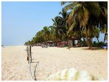 Assinie Plażowy z kości słoniowej wybrzeże zdjęcie stock
