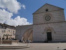 Assisi - église de St Chiara photo stock
