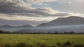 Assisi con foschia Fotografia Stock Libera da Diritti