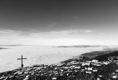 Assisi, croix et brouillard Photographie stock libre de droits