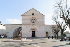 ASSISI ITALIEN - JANUARI 23, 2010: Basilika av helgonet Clare arkivbilder