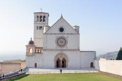 ASSISI ITALIEN - JANUARI 23, 2010: Basilika av San Francesco d'As fotografering för bildbyråer