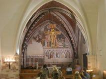 Assisi - kyrka för St Chiara royaltyfri fotografi