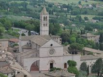 Assisi - kyrka för St Chiara royaltyfria foton