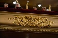 Assistance dans le théâtre d'opéra Photos stock