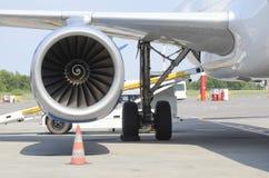 Assistance en escale d'aviation image libre de droits