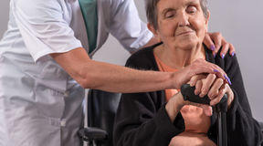 Assistance to elderly Royalty Free Stock Photography