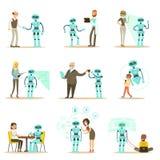 Assistant de sourire de personnes et de robot, ensemble de caractères et compagnon d'Android de service Image libre de droits