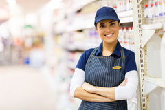 Assistente de loja do supermercado fotos de stock