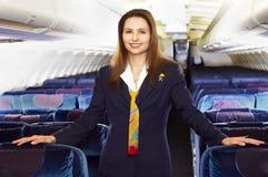 Assistente di volo (stewardess) Fotografia Stock Libera da Diritti