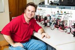 Assistente tecnico al motore Control Center Fotografia Stock Libera da Diritti