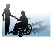 Assistenza della persona in sedia a rotelle Immagine Stock Libera da Diritti