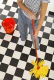Assoalho da limpeza Imagens de Stock
