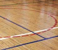 Assoalho de madeira do salão de esportes Foto de Stock