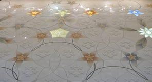 Assoalho de mosaico na mesquita de Sheikh Zayed Imagens de Stock