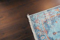 Assoalho estratificado do parquete Textura de madeira clara Tapete macio bege Design de interiores morno imagens de stock royalty free