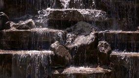 Associação de água e volume de água video estoque